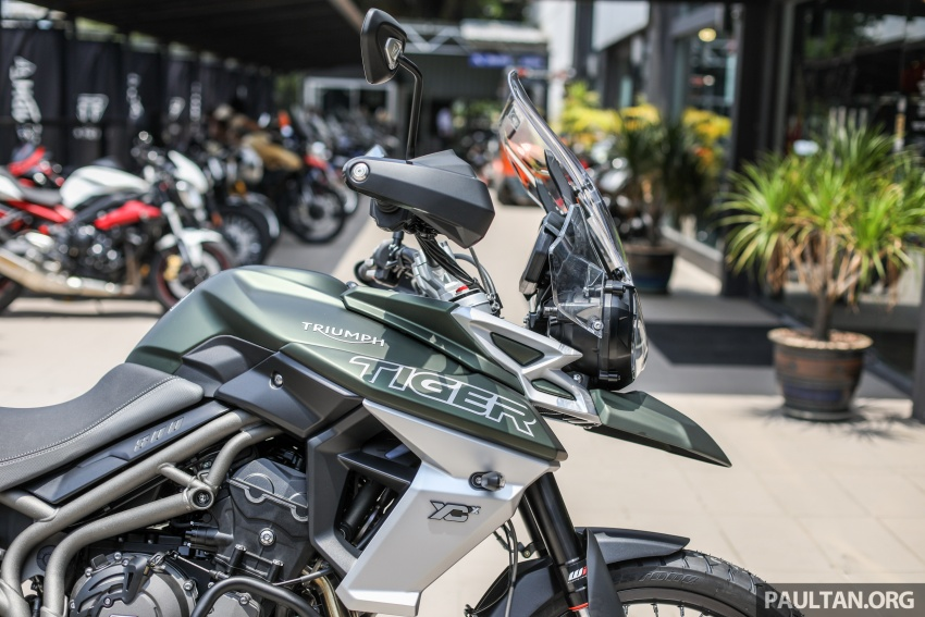 FIRST LOOK: 2018 Triumph Tiger 800 XCx and XRx adventure bikes – RM74,900 and RM69,900 Image #786911