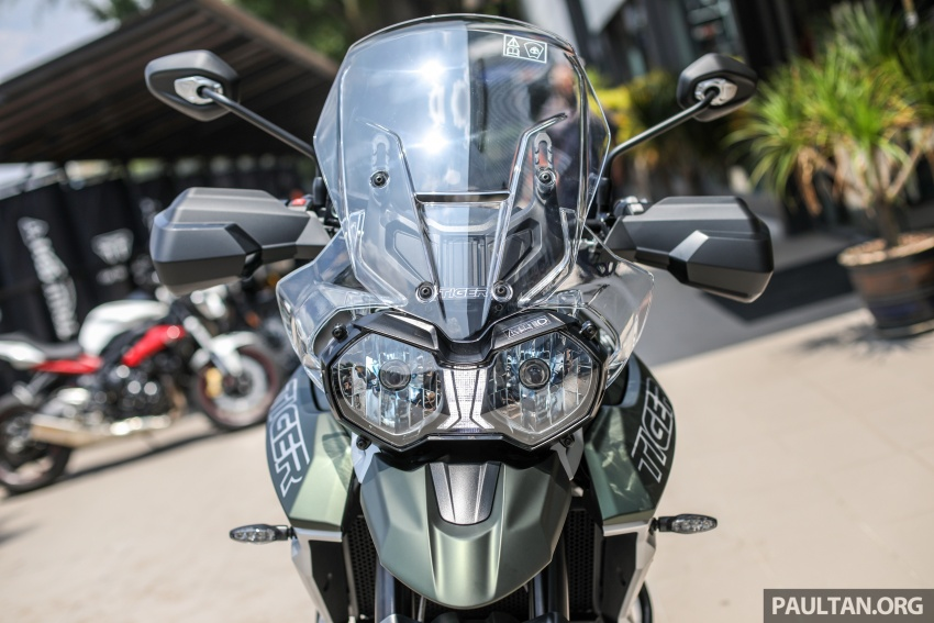 FIRST LOOK: 2018 Triumph Tiger 800 XCx and XRx adventure bikes – RM74,900 and RM69,900 Image #786912