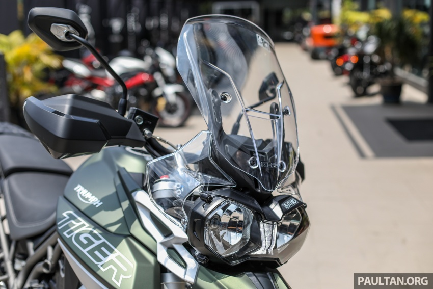 FIRST LOOK: 2018 Triumph Tiger 800 XCx and XRx adventure bikes – RM74,900 and RM69,900 Image #786915