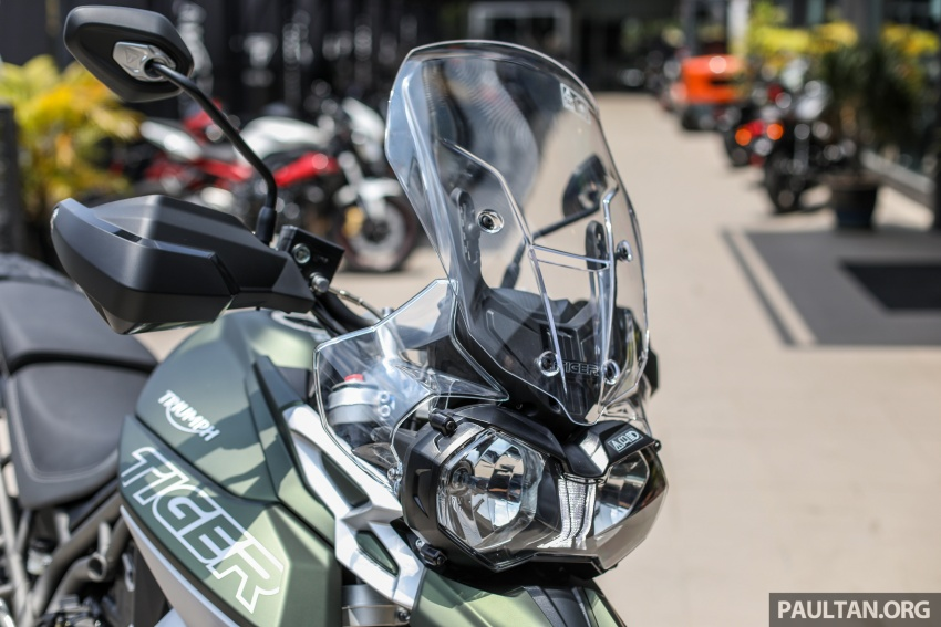 FIRST LOOK: 2018 Triumph Tiger 800 XCx and XRx adventure bikes – RM74,900 and RM69,900 Image #786917