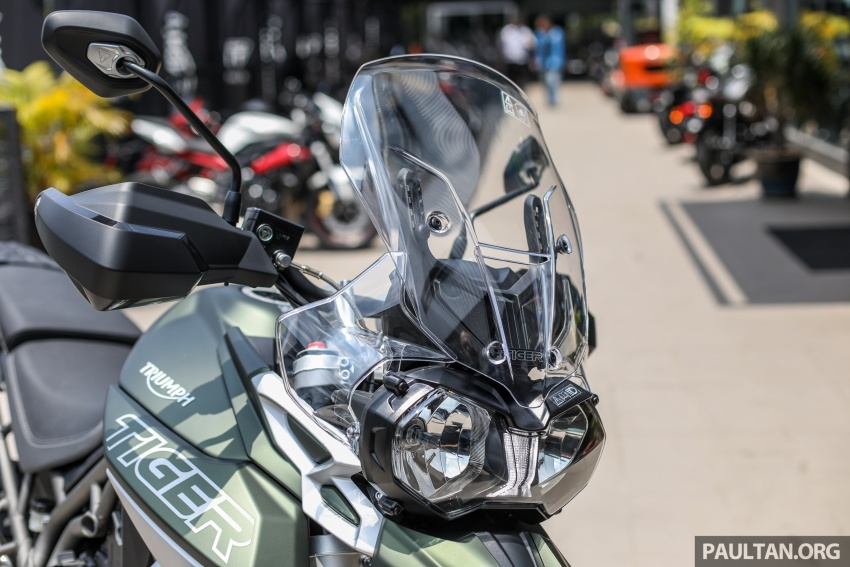 FIRST LOOK: 2018 Triumph Tiger 800 XCx and XRx adventure bikes – RM74,900 and RM69,900 Image #786919