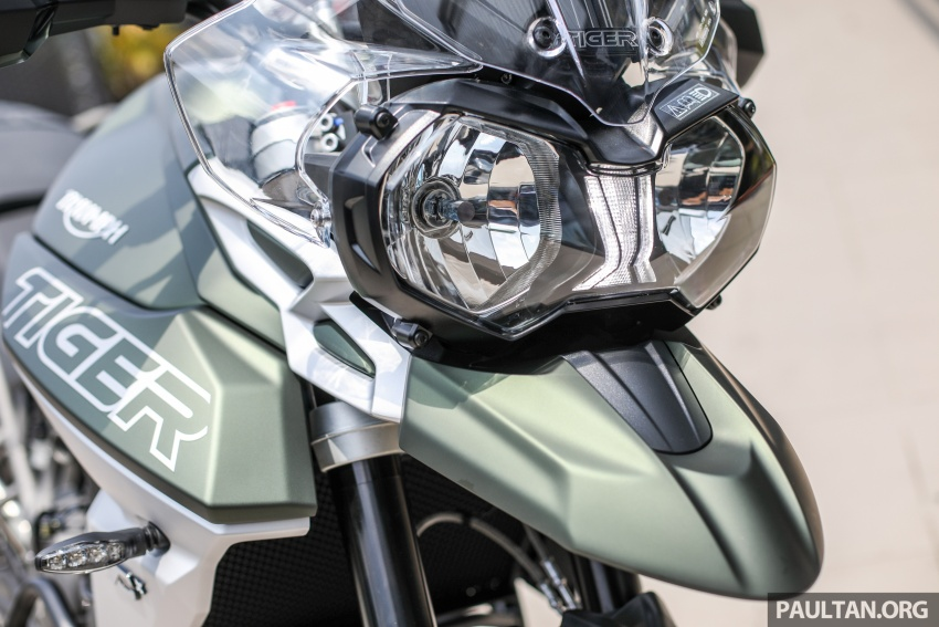 FIRST LOOK: 2018 Triumph Tiger 800 XCx and XRx adventure bikes – RM74,900 and RM69,900 Image #786920