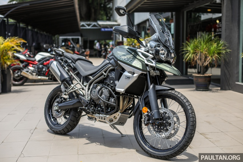 FIRST LOOK: 2018 Triumph Tiger 800 XCx and XRx adventure bikes – RM74,900 and RM69,900 Image #786903