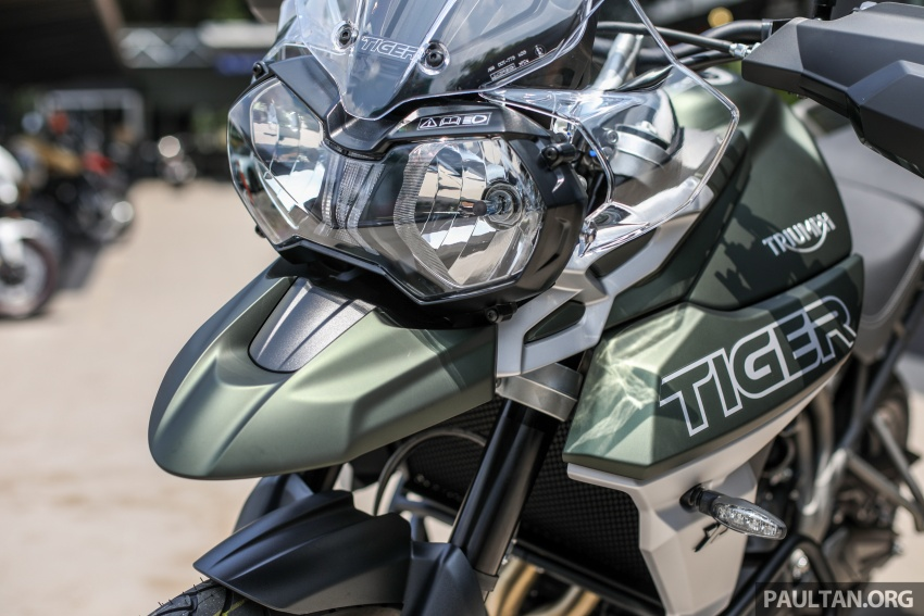 FIRST LOOK: 2018 Triumph Tiger 800 XCx and XRx adventure bikes – RM74,900 and RM69,900 Image #786922