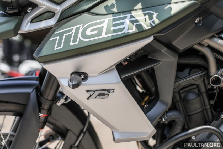 FIRST LOOK: 2018 Triumph Tiger 800 XCx and XRx adventure bikes – RM74,900 and RM69,900 Image #786925