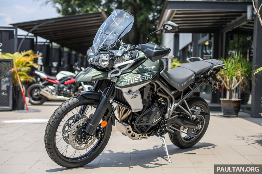 FIRST LOOK: 2018 Triumph Tiger 800 XCx and XRx adventure bikes – RM74,900 and RM69,900 Image #786904