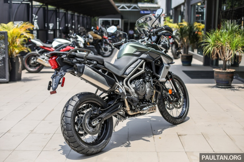 FIRST LOOK: 2018 Triumph Tiger 800 XCx and XRx adventure bikes – RM74,900 and RM69,900 Image #786905