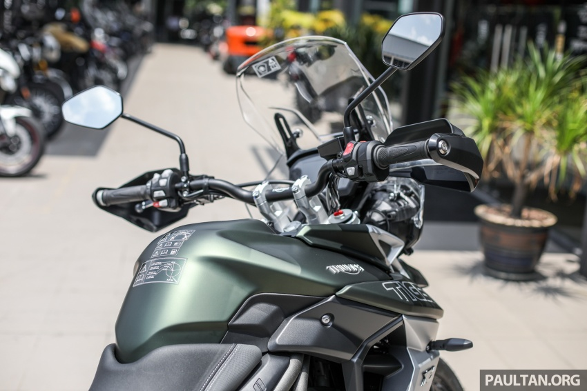 FIRST LOOK: 2018 Triumph Tiger 800 XCx and XRx adventure bikes – RM74,900 and RM69,900 Image #786944