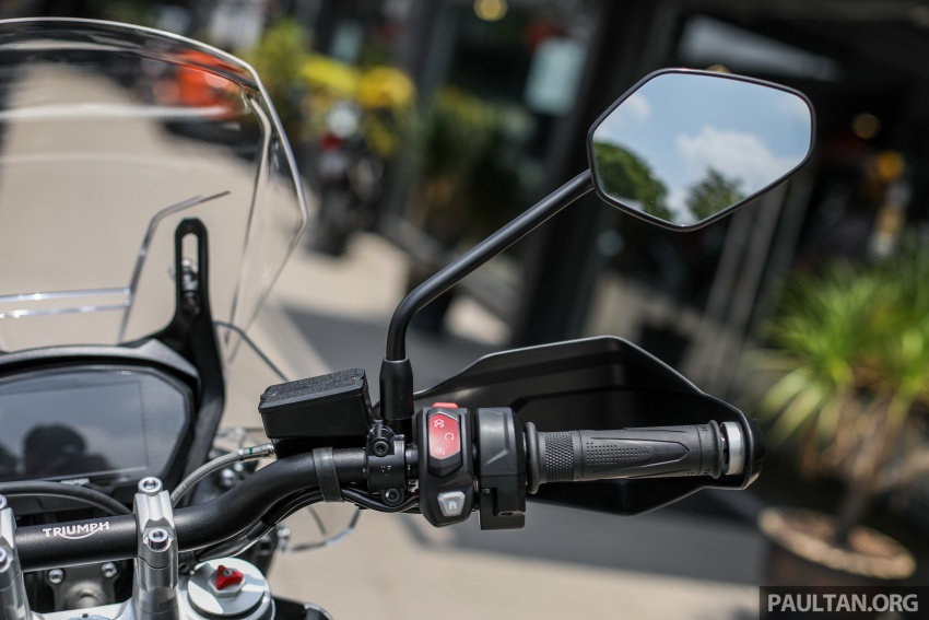 FIRST LOOK: 2018 Triumph Tiger 800 XCx and XRx adventure bikes – RM74,900 and RM69,900 Image #786951