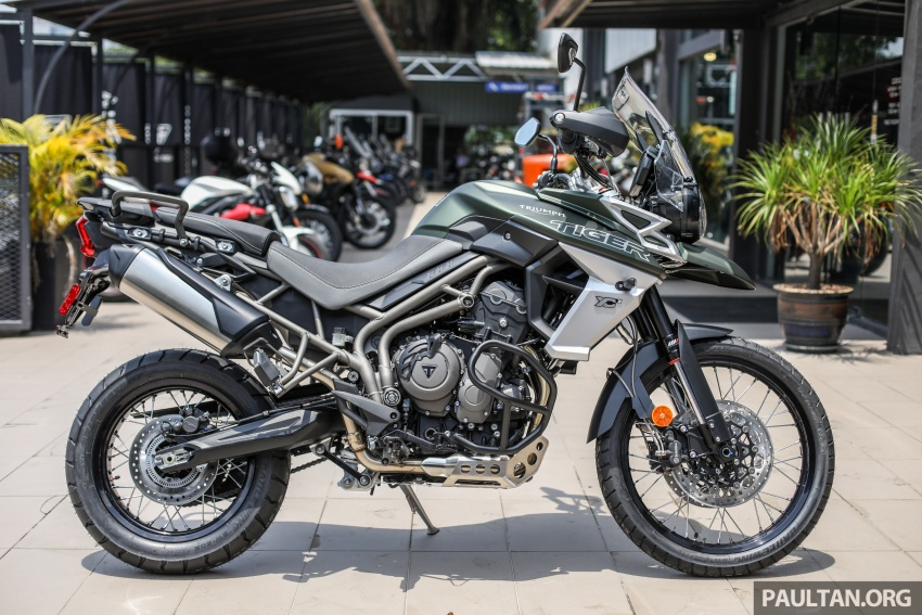 FIRST LOOK: 2018 Triumph Tiger 800 XCx and XRx adventure bikes – RM74,900 and RM69,900 Image #786907