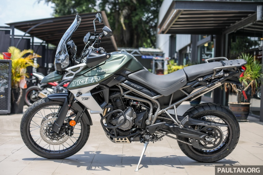 FIRST LOOK: 2018 Triumph Tiger 800 XCx and XRx adventure bikes – RM74,900 and RM69,900 Image #786908
