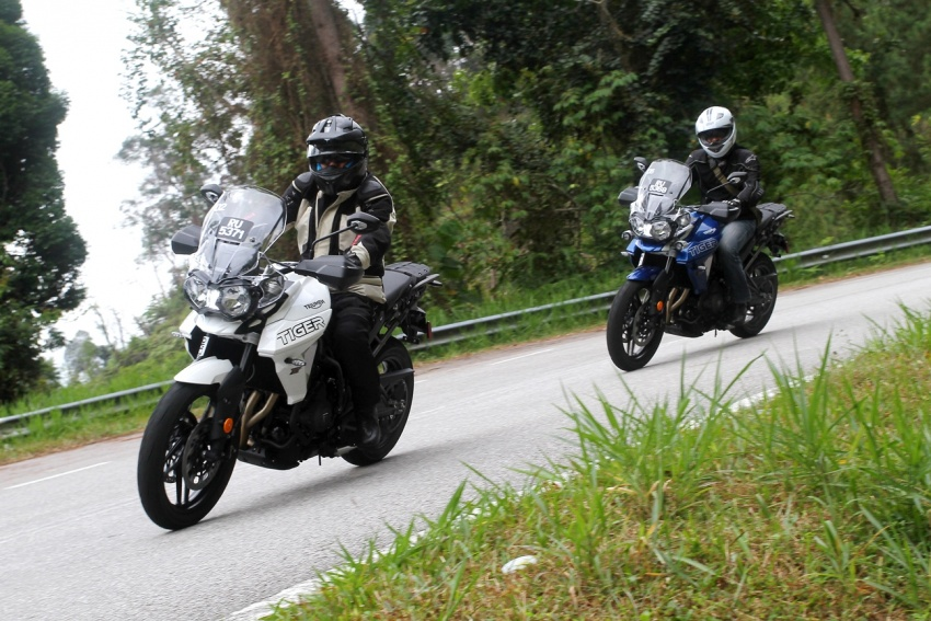 FIRST LOOK: 2018 Triumph Tiger 800 XCx and XRx adventure bikes – RM74,900 and RM69,900 Image #786901