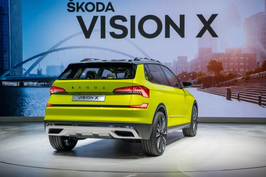 Skoda Vision X previews small SUV, CNG hybrid drive Image #788172