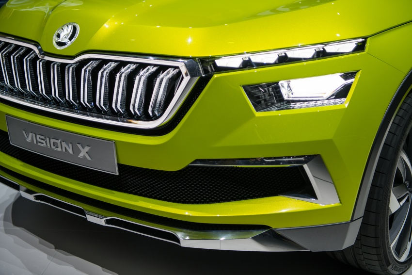 Skoda Vision X previews small SUV, CNG hybrid drive Image #788188