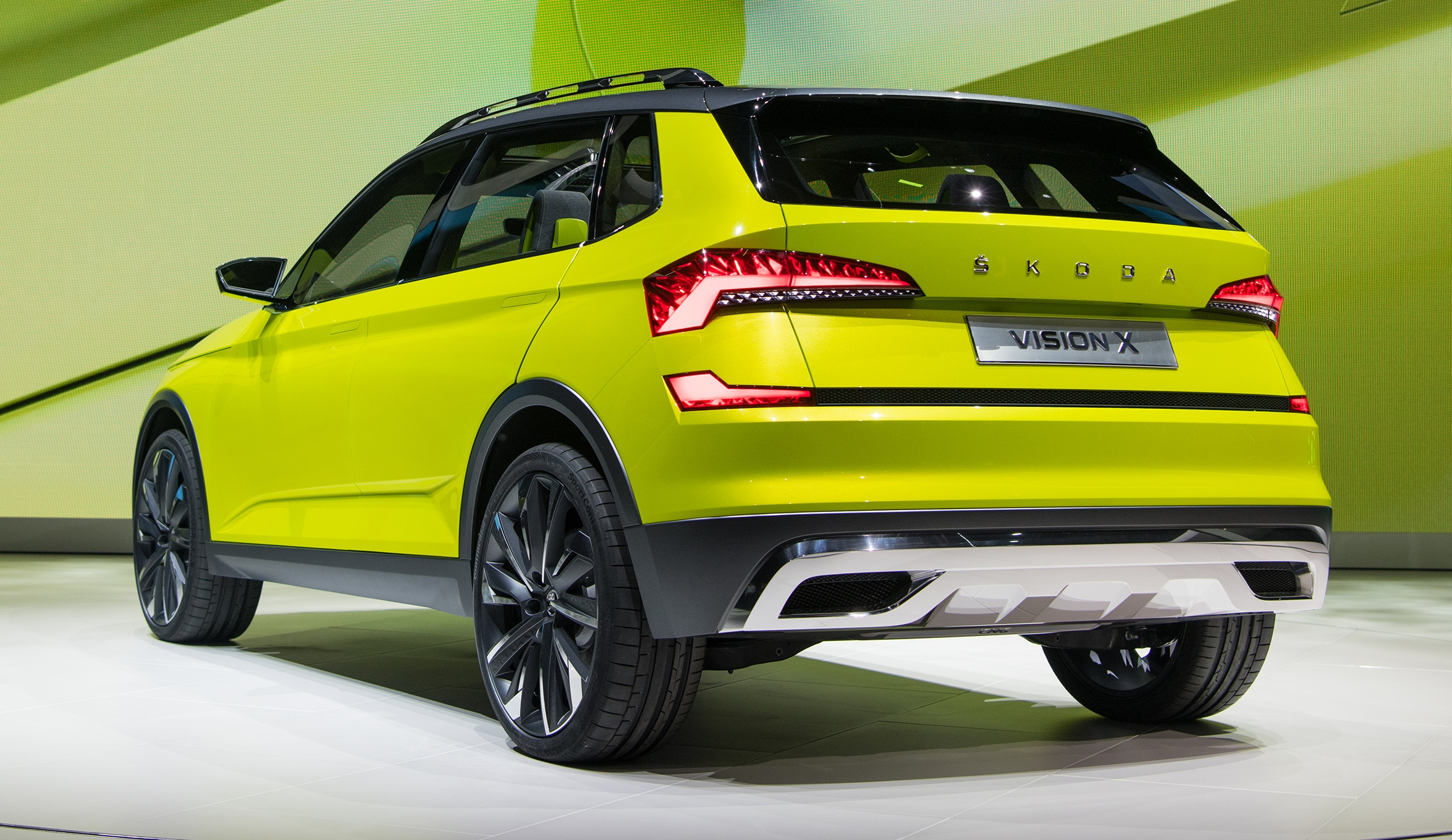 skoda vision x previews small suv cng hybrid drive. Black Bedroom Furniture Sets. Home Design Ideas