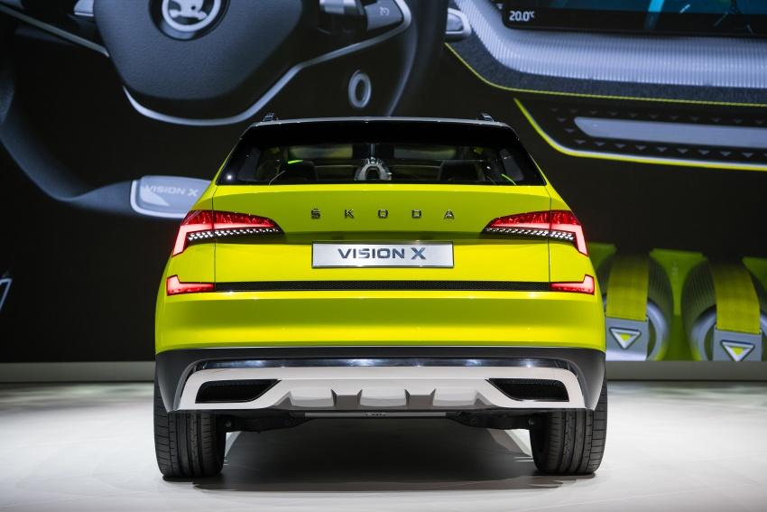 Skoda Vision X previews small SUV, CNG hybrid drive Image #788178