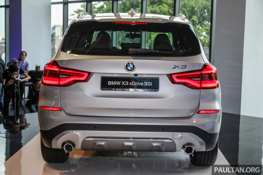 G01 BMW X3 launched in M'sia – 30i Luxury, RM314k Image #809267