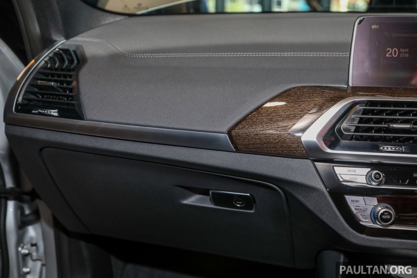 G01 BMW X3 launched in M'sia – 30i Luxury, RM314k Image #809324