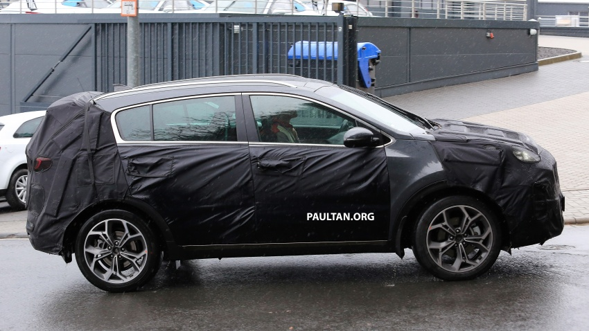SPIED: Kia Sportage facelift seen near the Nurburgring Image #807791