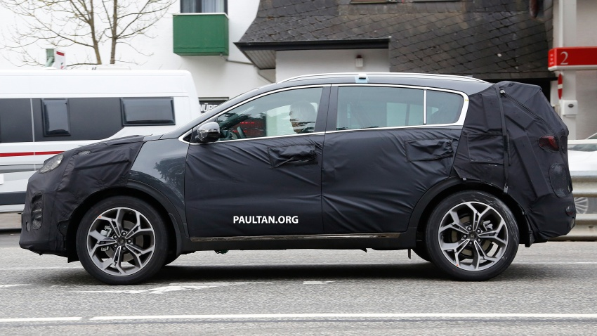 SPIED: Kia Sportage facelift seen near the Nurburgring Image #807783