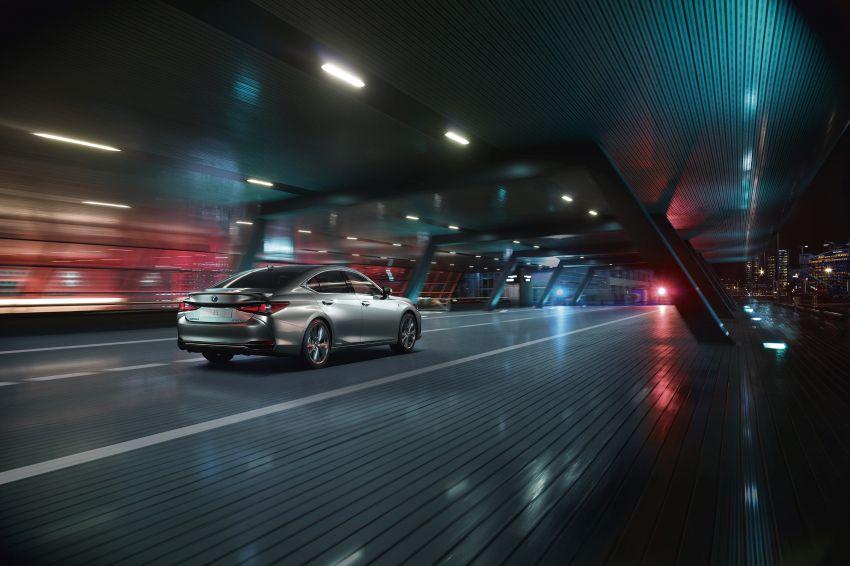 2019 Lexus ES debuts in Beijing – TNGA platform, hybrid and petrol powertrains, F Sport package Image #810784