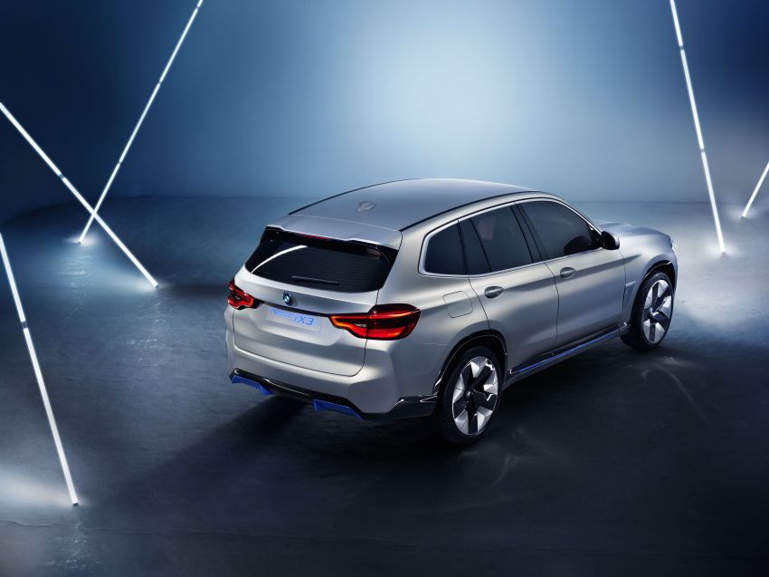BMW Concept iX3 unveiled at Beijing Motor Show – based on the X3, 268 hp, 400 km all-electric range Image #811097