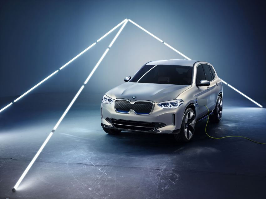BMW Concept iX3 unveiled at Beijing Motor Show – based on the X3, 268 hp, 400 km all-electric range Image #811099