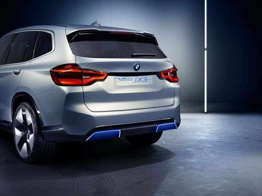 BMW Concept iX3 unveiled at Beijing Motor Show – based on the X3, 268 hp, 400 km all-electric range Image #811101