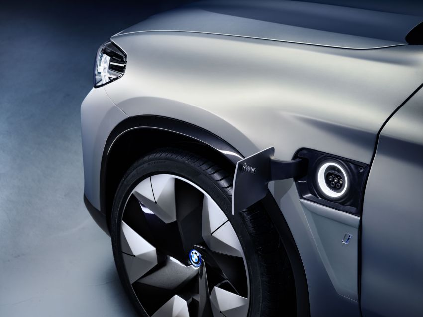 BMW Concept iX3 unveiled at Beijing Motor Show – based on the X3, 268 hp, 400 km all-electric range Image #811103