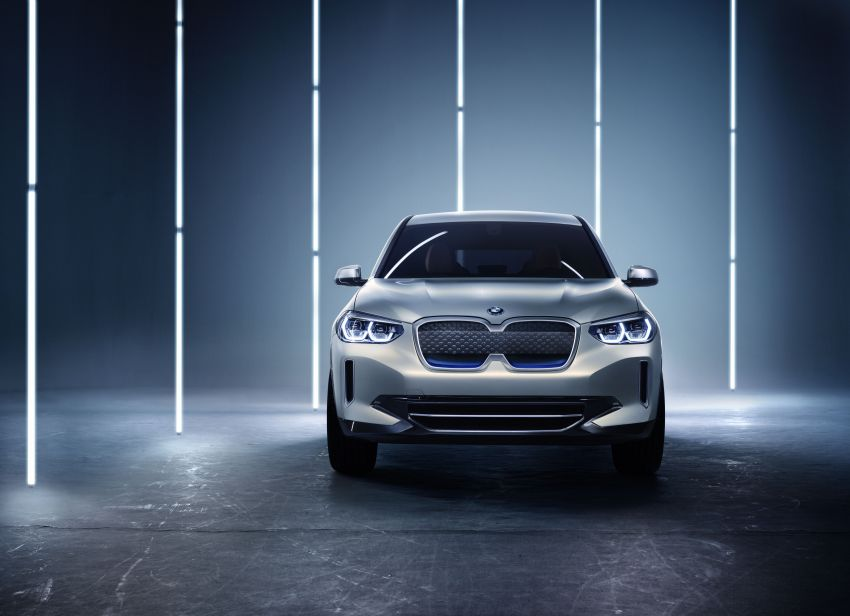 BMW Concept iX3 unveiled at Beijing Motor Show – based on the X3, 268 hp, 400 km all-electric range Image #811088