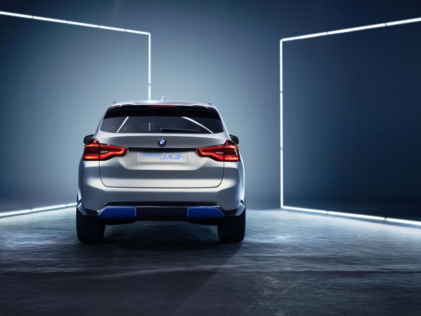 BMW Concept iX3 unveiled at Beijing Motor Show – based on the X3, 268 hp, 400 km all-electric range Image #811092