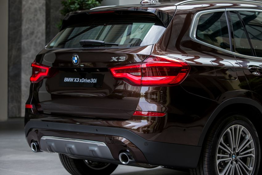 G01 BMW X3 launched in M'sia – 30i Luxury, RM314k Image #809173