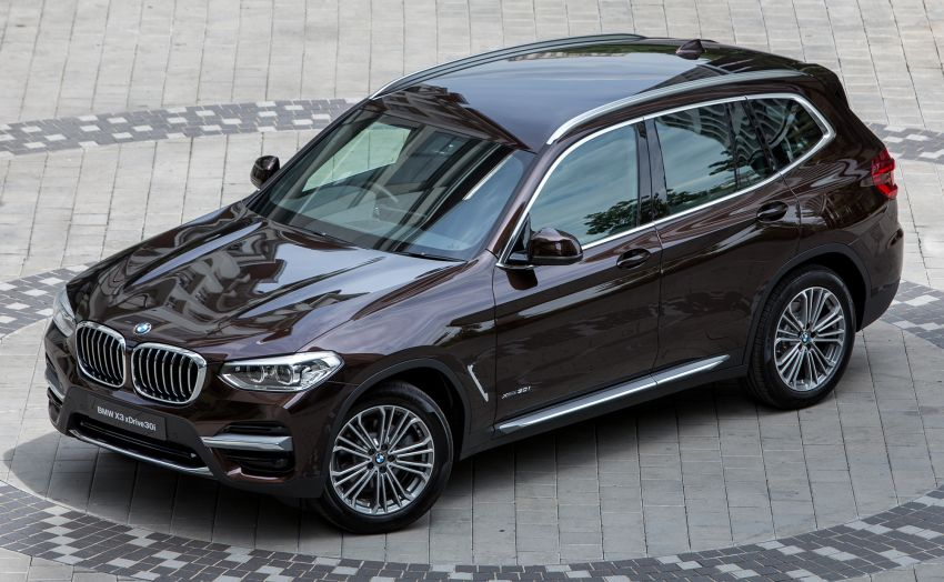 G01 BMW X3 launched in M'sia – 30i Luxury, RM314k Image #809179