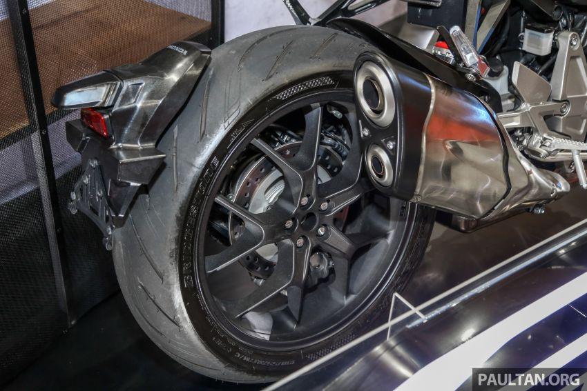 Harga Honda X-ADV, Africa Twin 2018 diumumkan – masing-masing bermula dari RM61,478 dan RM74,198 Image #812198