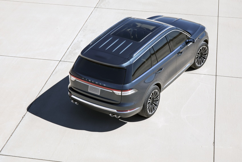 Lincoln Aviator previewed in New York – three-row SUV with plug-in hybrid option, production next year Image #801394