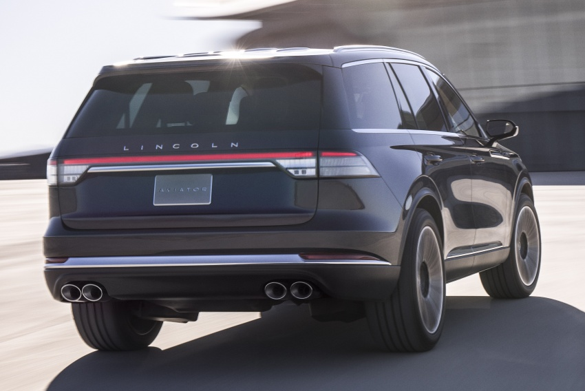 Lincoln Aviator previewed in New York – three-row SUV with plug-in hybrid option, production next year Image #801400
