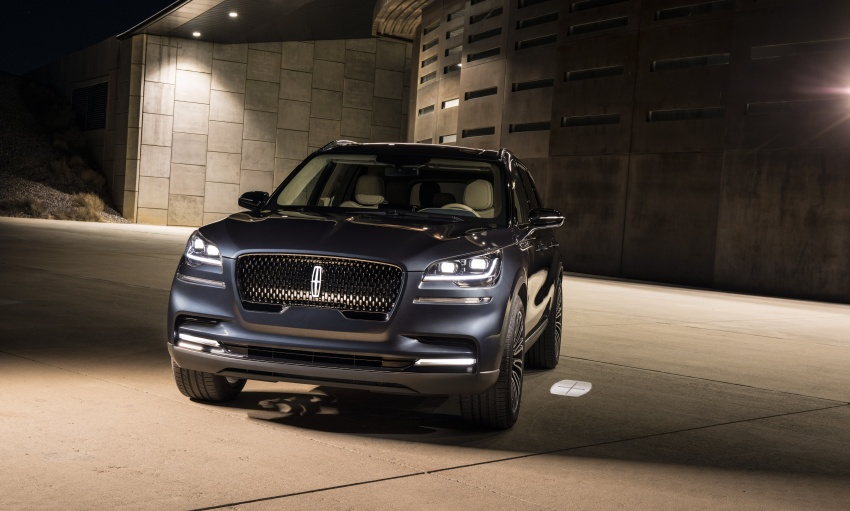 Lincoln Aviator previewed in New York – three-row SUV with plug-in hybrid option, production next year Image #801401