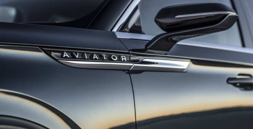 Lincoln Aviator previewed in New York – three-row SUV with plug-in hybrid option, production next year Image #801405