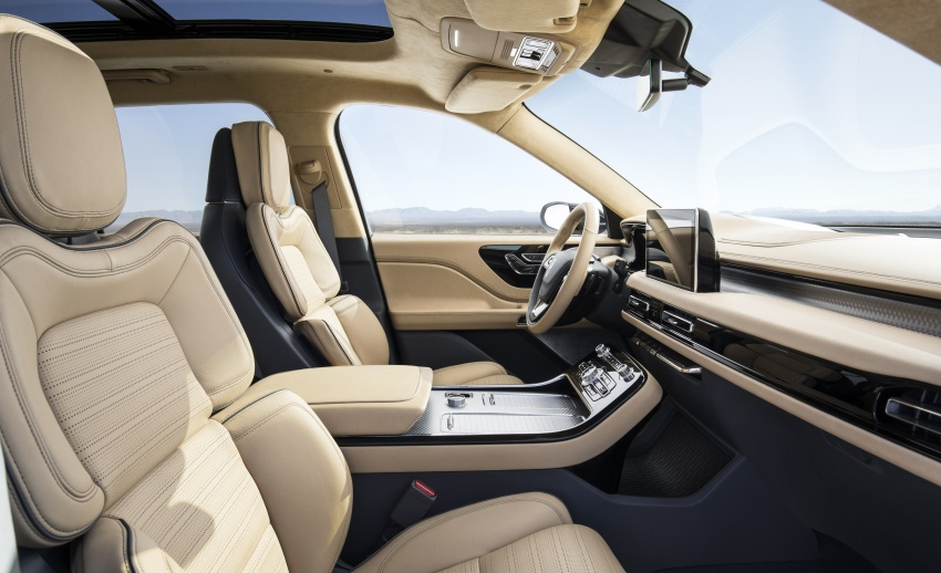 Lincoln Aviator previewed in New York – three-row SUV with plug-in hybrid option, production next year Image #801409