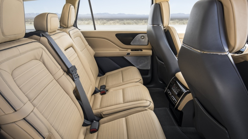 Lincoln Aviator previewed in New York – three-row SUV with plug-in hybrid option, production next year Image #801412