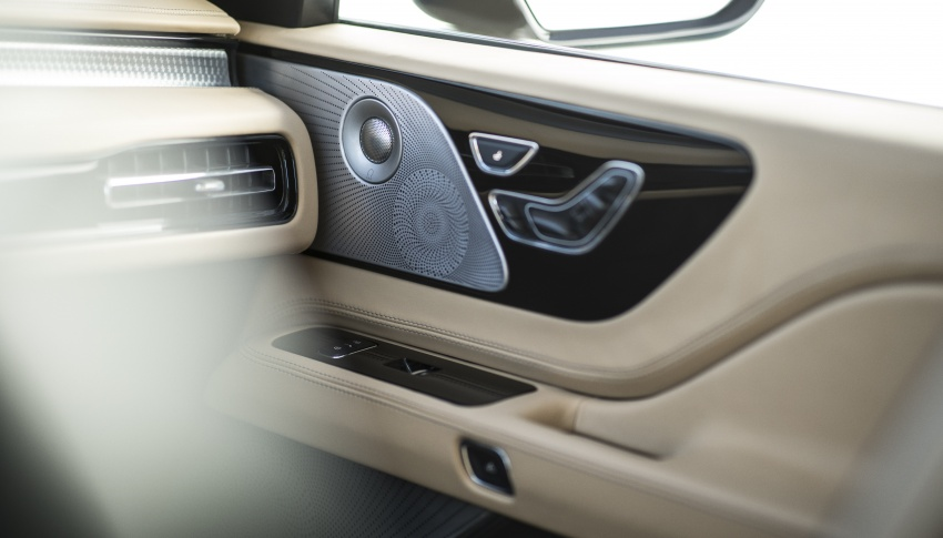 Lincoln Aviator previewed in New York – three-row SUV with plug-in hybrid option, production next year Image #801414