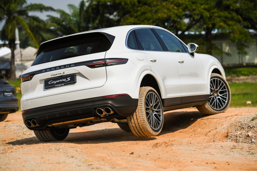 DRIVEN: E3 Porsche Cayenne tested on- and off-road – new brake technology, four-wheel steering and more Image #802637