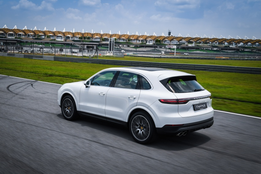 DRIVEN: E3 Porsche Cayenne tested on- and off-road – new brake technology, four-wheel steering and more Image #802644