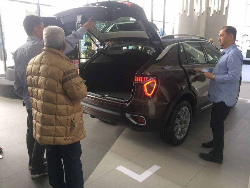 Proton dealers wowed by Lynk & Co Shanghai outlet Image #806669