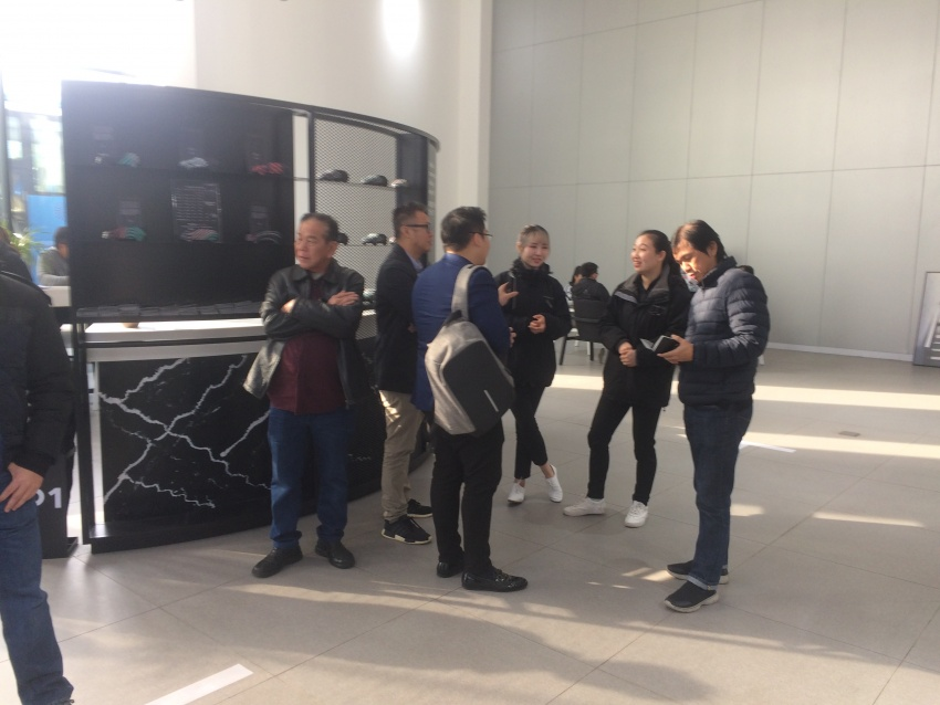 Proton dealers wowed by Lynk & Co Shanghai outlet Image #806687