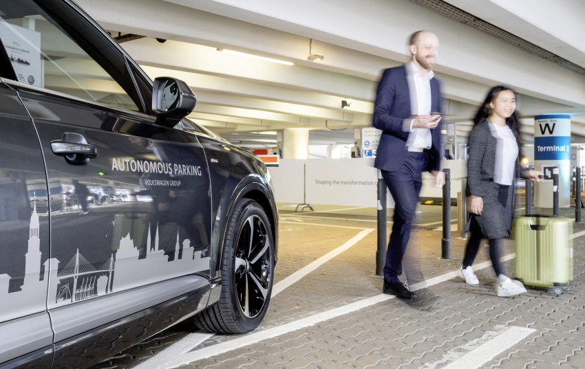 Volkswagen Group tests autonomous parking function at Hamburg Airport – series production rollout by 2020 Image #807232