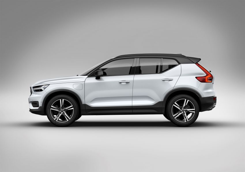 Volvo XC40 T5 Twin Engine – PHEV version debuts Image #811285