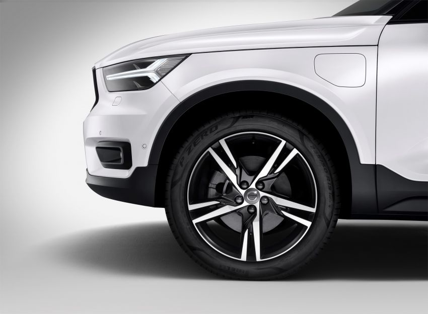 Volvo XC40 T5 Twin Engine – PHEV version debuts Image #811292