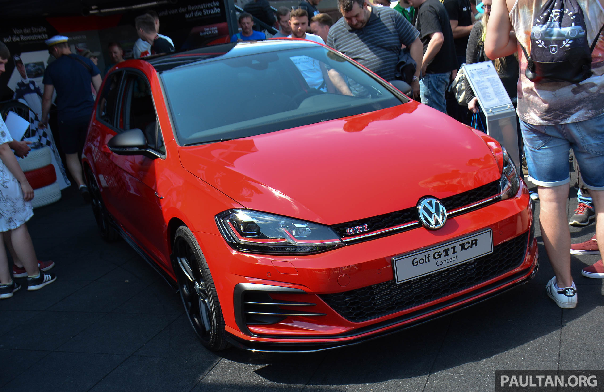 volkswagen golf gti tcr concept officially debuts at. Black Bedroom Furniture Sets. Home Design Ideas