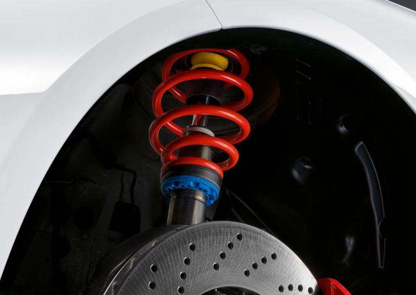BMW M2 Competition terima peralatan berprestasi tinggi M – lebih gentian karbon, lebih ringan Image #815807